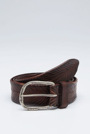 LEATHER BELT WITH SLIT DETAIL