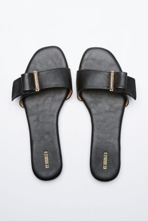 FLAT SANDALS WITH LOGO METAL PLATE