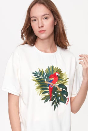 EMBROIDERED PARROT GRAPHIC TEE