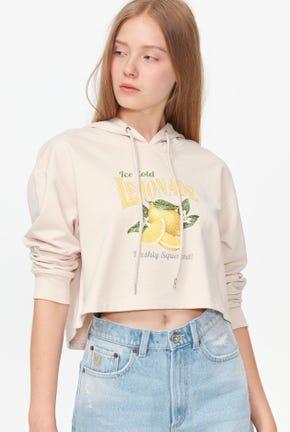เสื้อกันหนาวแบบสวมมีฮู้ดทรงครอปลายกราฟฟิค
