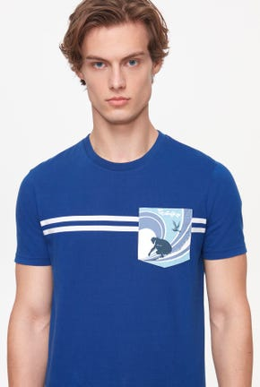 SURF CLUB PRINTED POCKET TEE