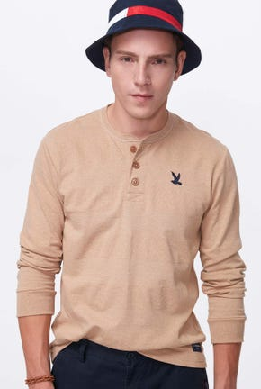 LONG-SLEEVED PIQUE HENLEY TEE