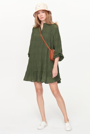 LONG-SLEEVED PLEATED DRESS