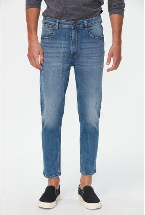 LIGHT WASHED TAPERED JEANS